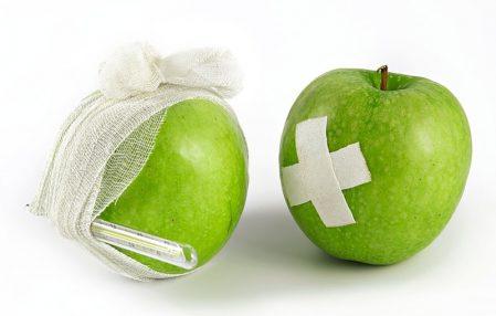 dwa zielone jabłka