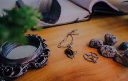 talizman runiczny emma lange
